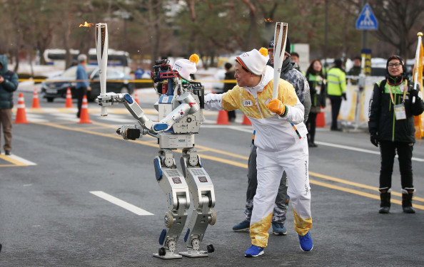 Hubo Completes New Mission at the Winter Olympic Torch Relay 이미지1