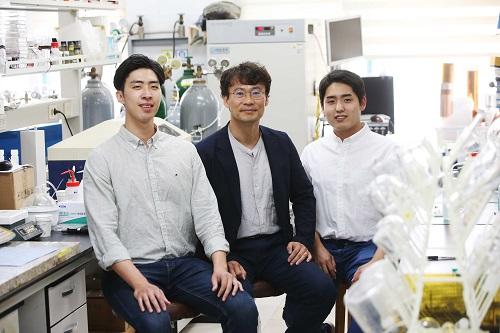 김수현 박사과정, 김희탁 교수, 최정훈 박사과정