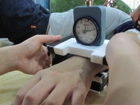 Figure 1. Measuring human thermal status through skin hardness