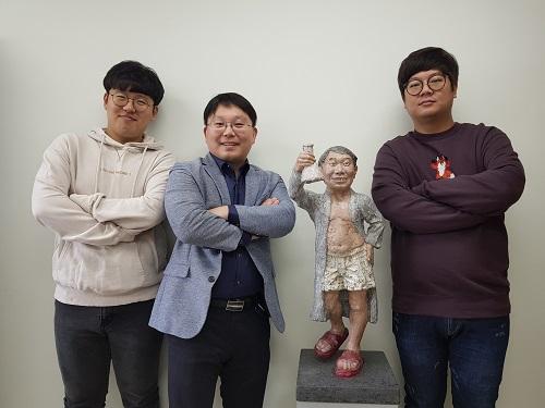왼쪽부터 임형근 연구원, 한순규 교수, 성시광 연구원