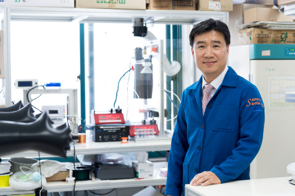 Associate Editor of ACS Nano Professor Il-Doo Kim