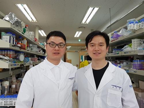 1저자 루오 쯔 웨(Zi Wei Luo) 박사후 연구원,조재성 박사과정
