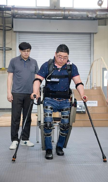 Wearable Robot 'WalkON Suit' Off to Cybathlon 2020 이미지1